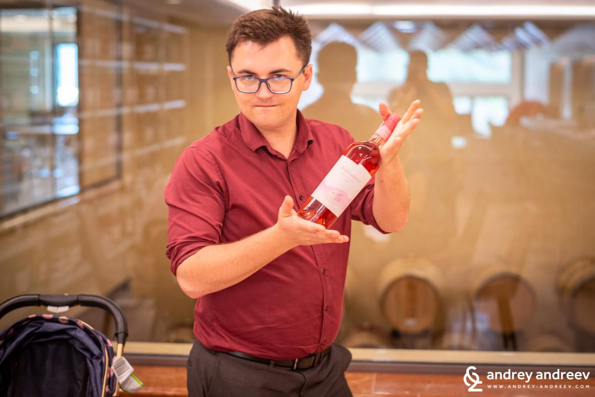 Майк ни представя розе - кипърско вино
