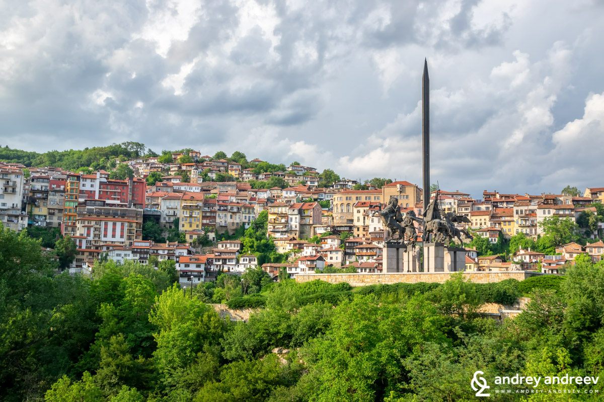 Asenevtsi monument in Veliko Tarnovo - places to see in Veliko Tarnovo, attractions in Veliko Tarnovo