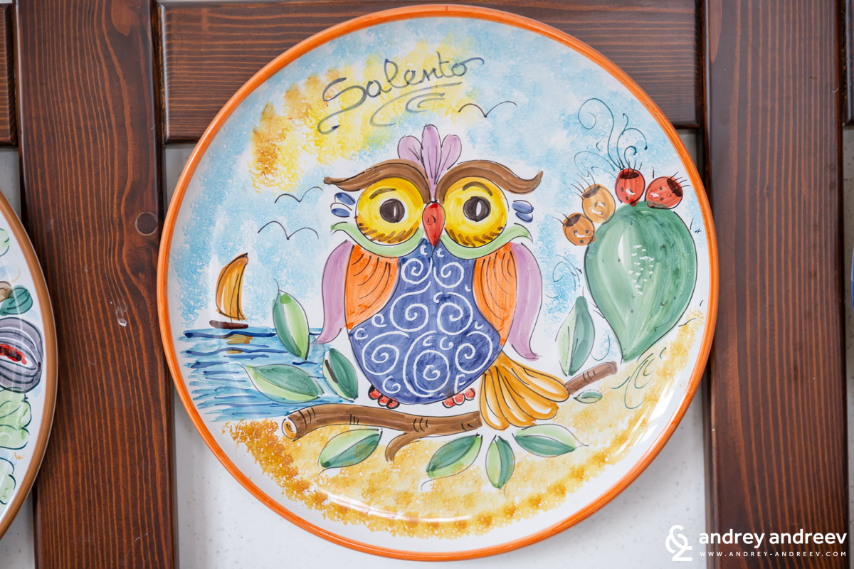 A decorated dish, souvenir from Salento