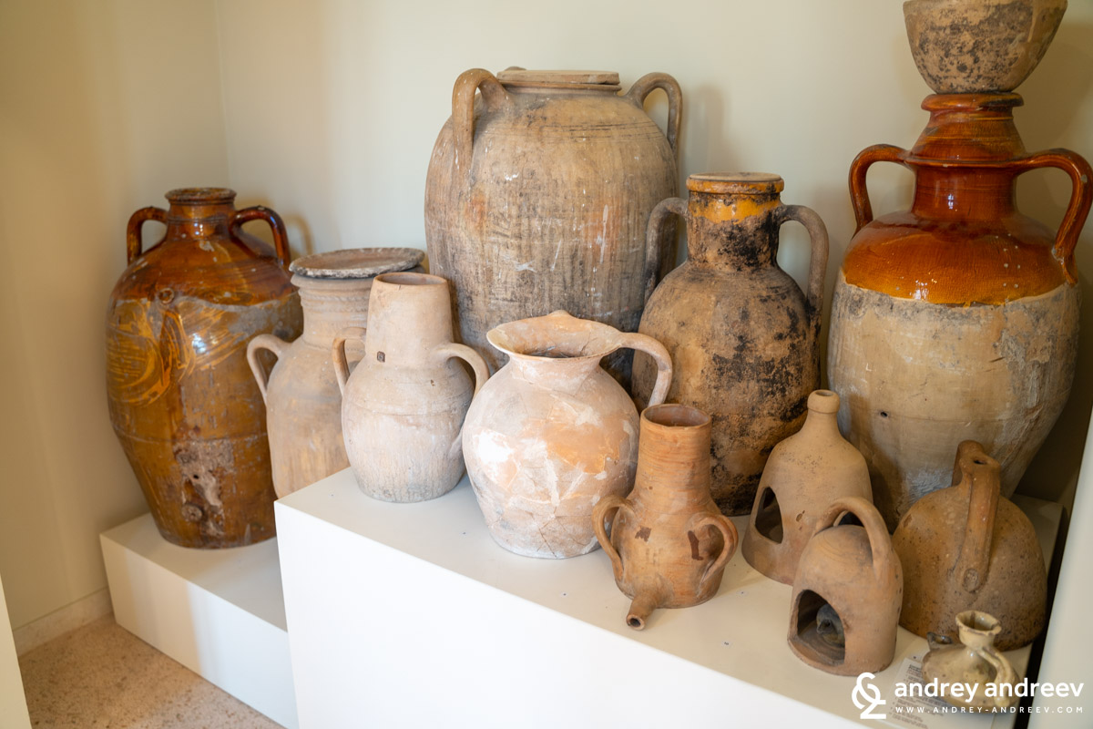 Various useful ceramic works, related mainly to drinking