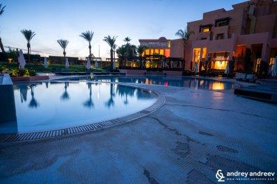 Movenpick Hotel Mansour Eddahbi в Маракеш привечер