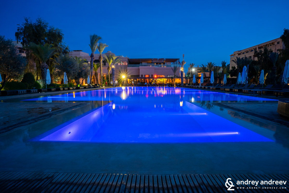 The large heated pool at Mövenpick Hotel Mansour Eddahbi Marrakech