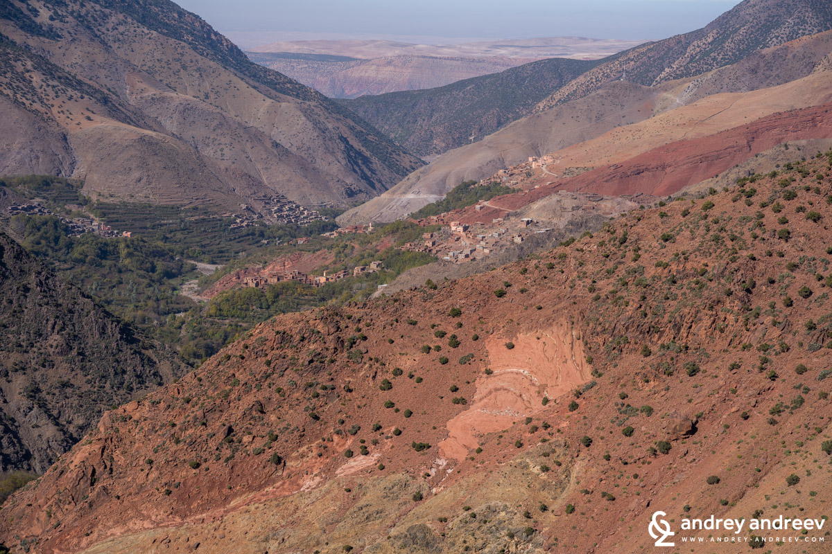The colourful slopes of the Azzaden valley