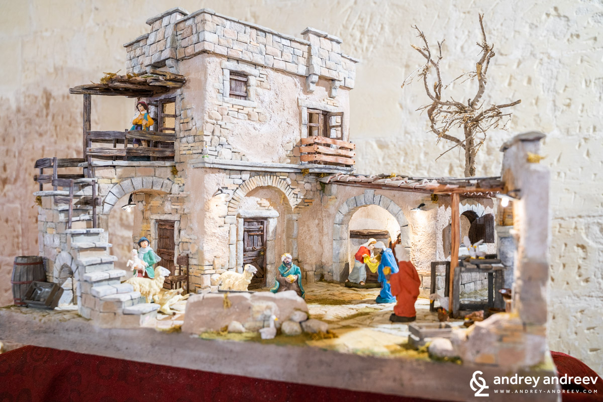 Nativity scenes are a favourite Christmas decoration in Puglia
