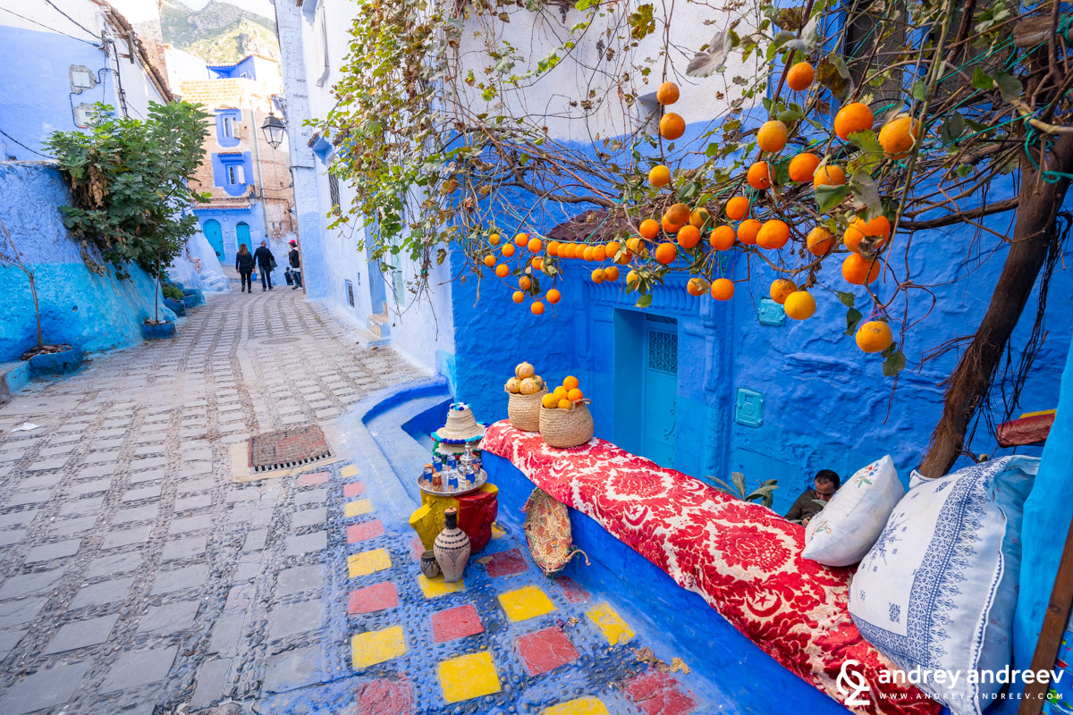 It is good to have some other colours besides blue in Chefchaouen
