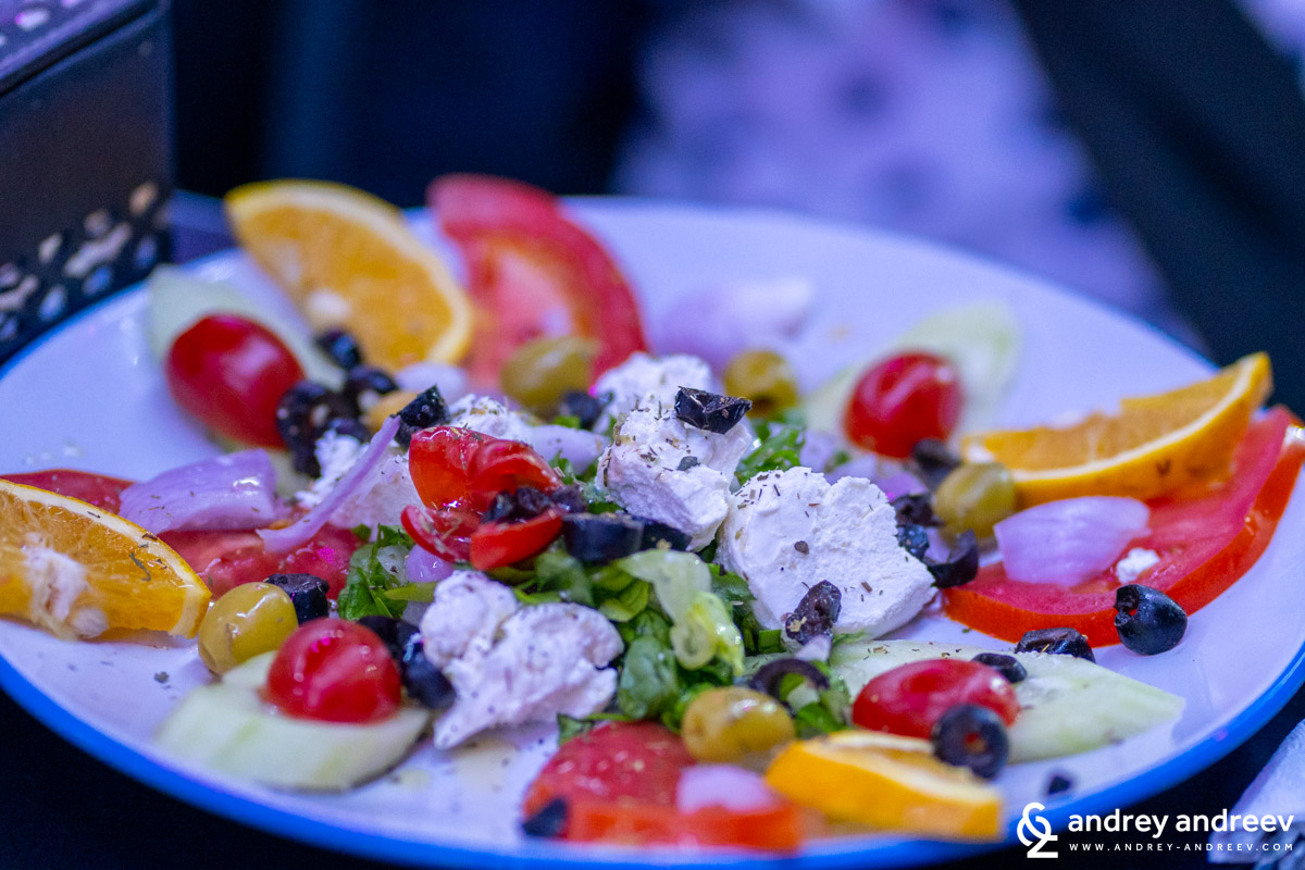 Salad with Moroccan goat cheese