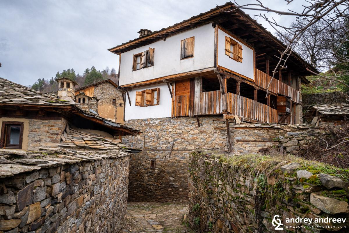 Houses in Kovachevitsa village