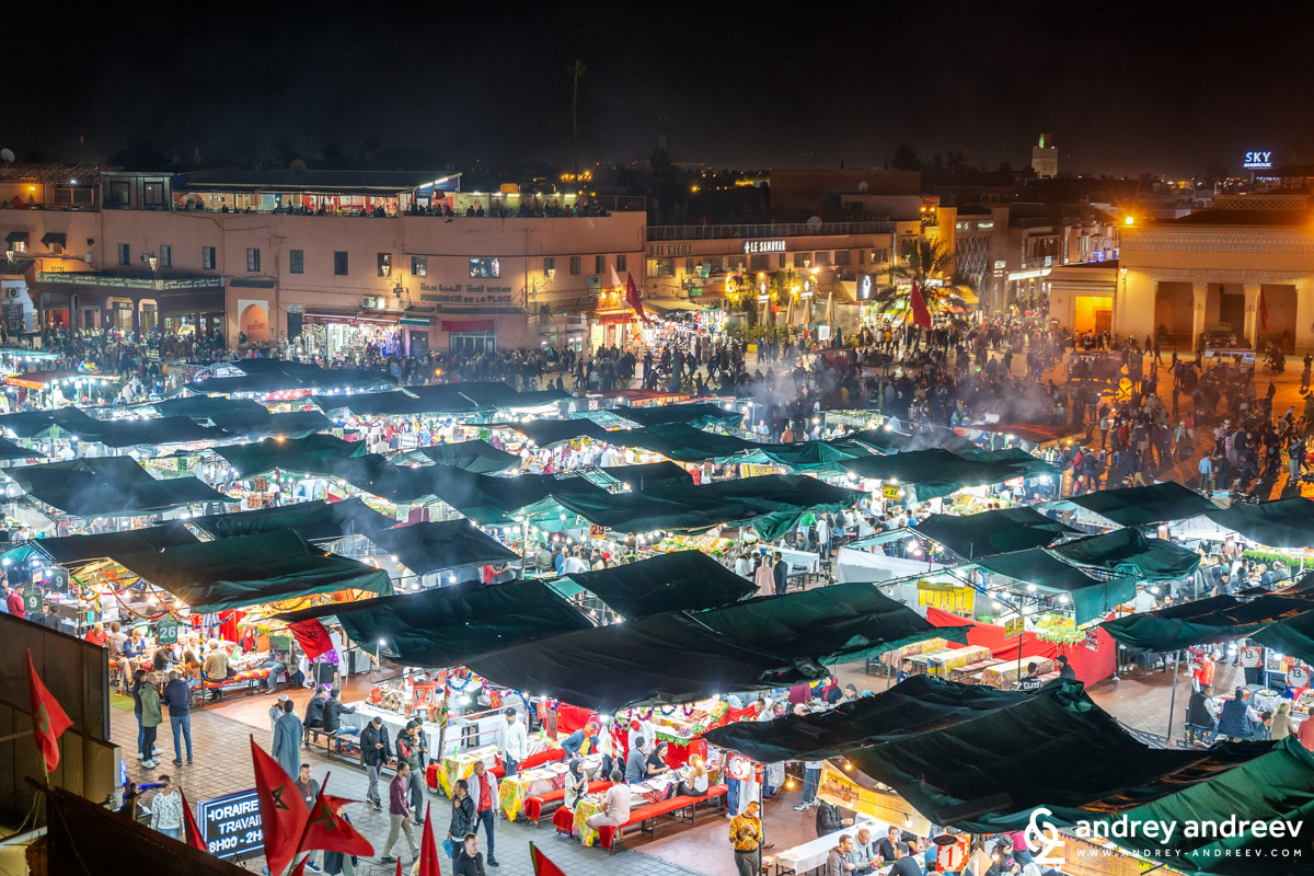 Our point of view towards Jemaa El-Fnaa square. The opposite side always looks better