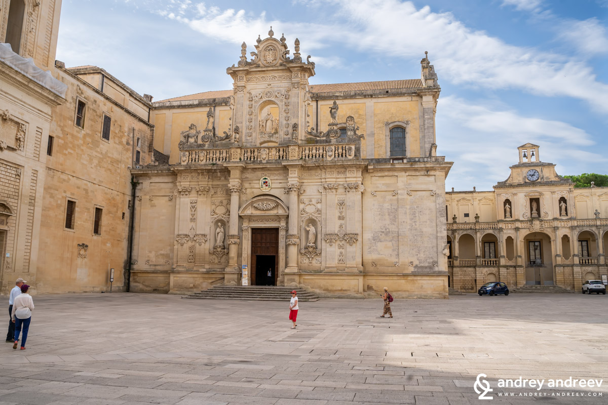 The entrance of the Lecce Cathedral