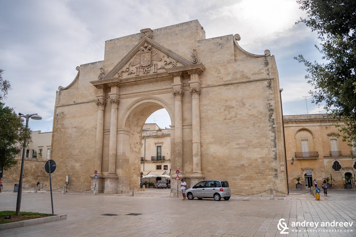 Порта Наполи, Лече