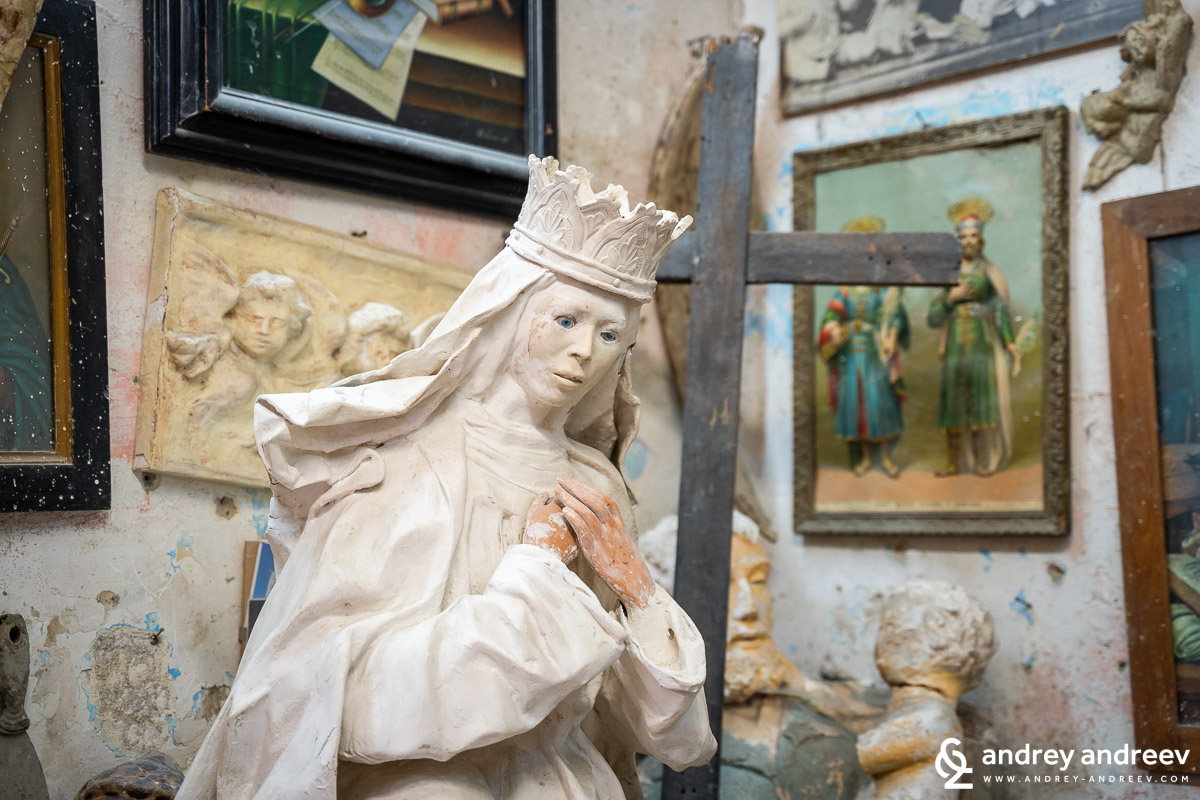 religious figure made of Inside one of the many ateliers for papier-mâché in Lecce