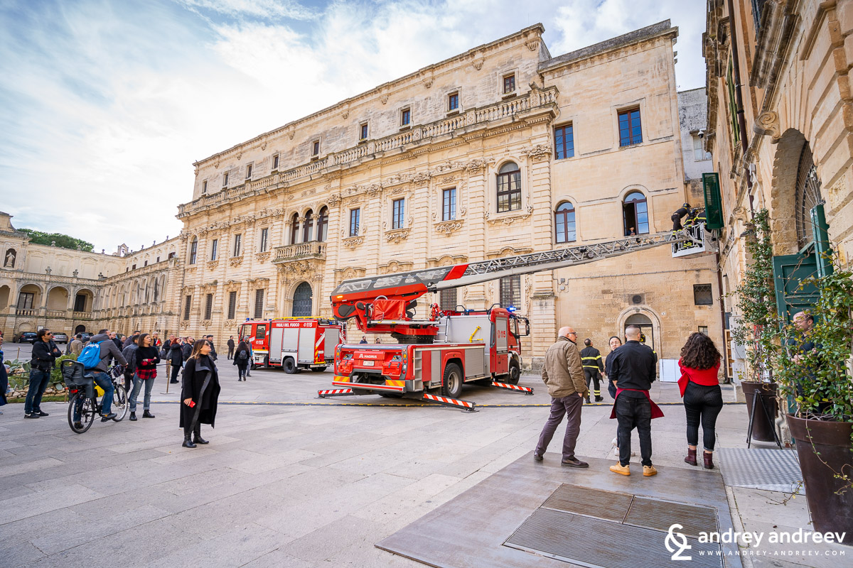 Emergency trucks on Piazza del Duomo, Lecce