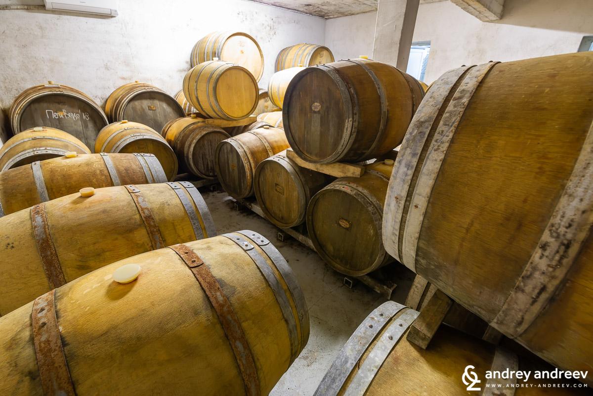 Любимото ни занимание е да откриваме винарни и винарните да откЛюбимото ни занимание е да откриваме винарни и винарните да откриват насриват нас