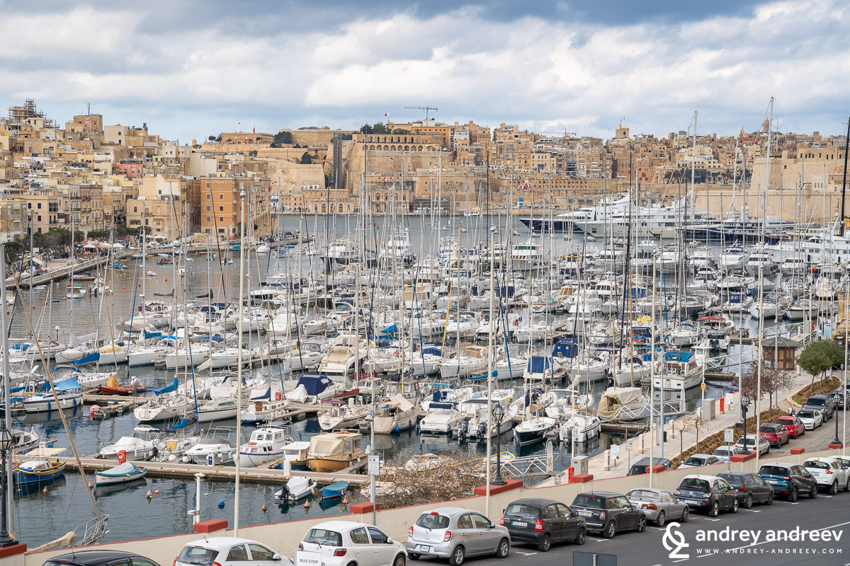 The view from Birgu to Valletta and the boats in the marina
