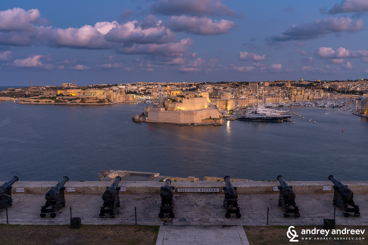 The saluting battery just after sunset - Valletta, Malta