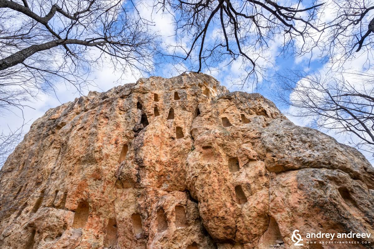 Местност Глухите камъни