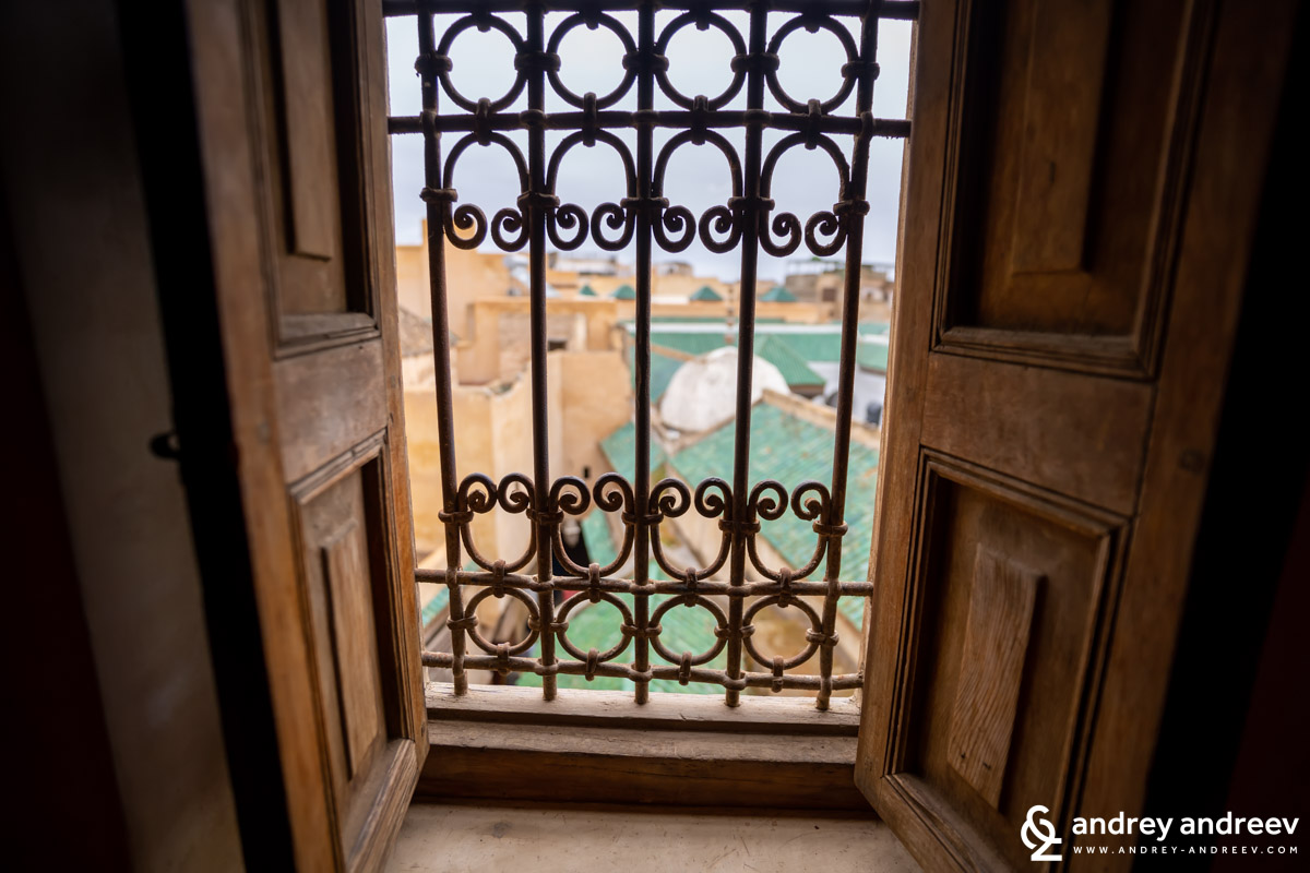 The rooms of the upper floors of the madrasa have views towards the roofs of Fes el Bali