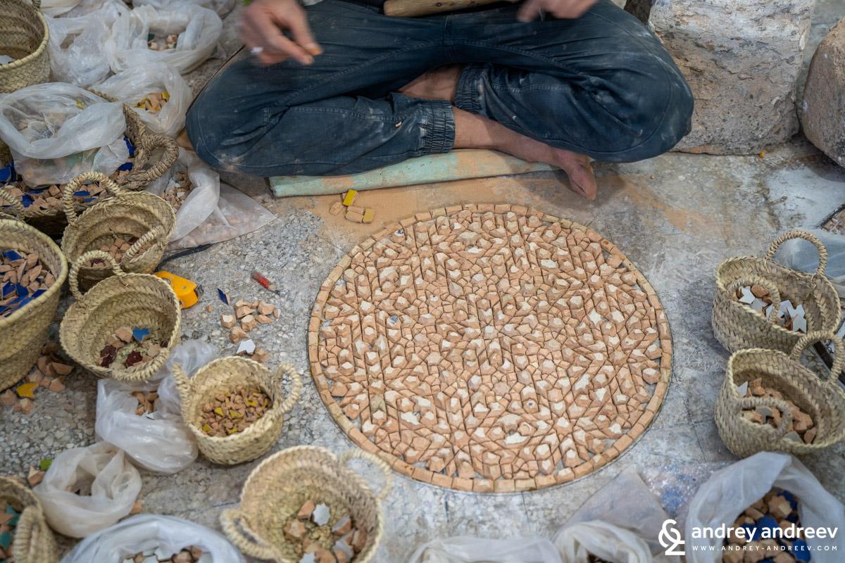Arranging zellige mosaic