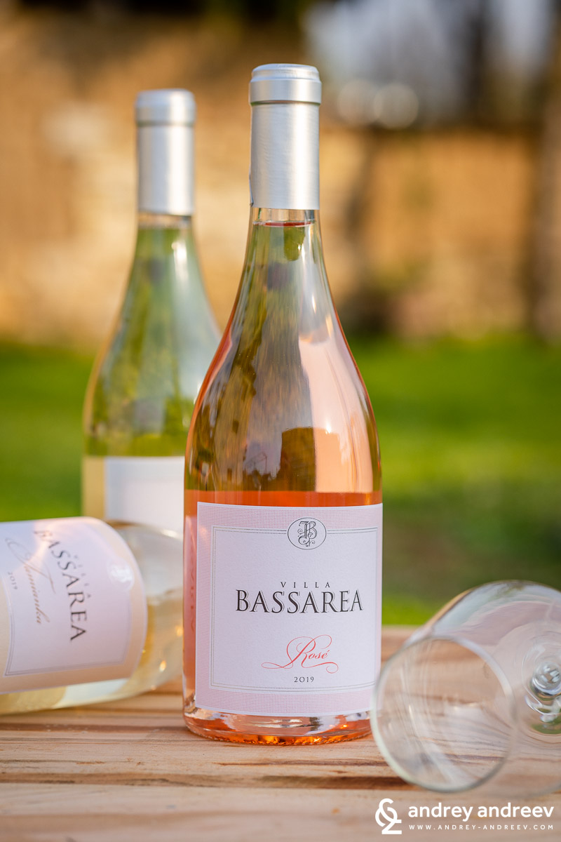 Rose wine from Pamid variety by Villa Bassarea, Bulgaria
