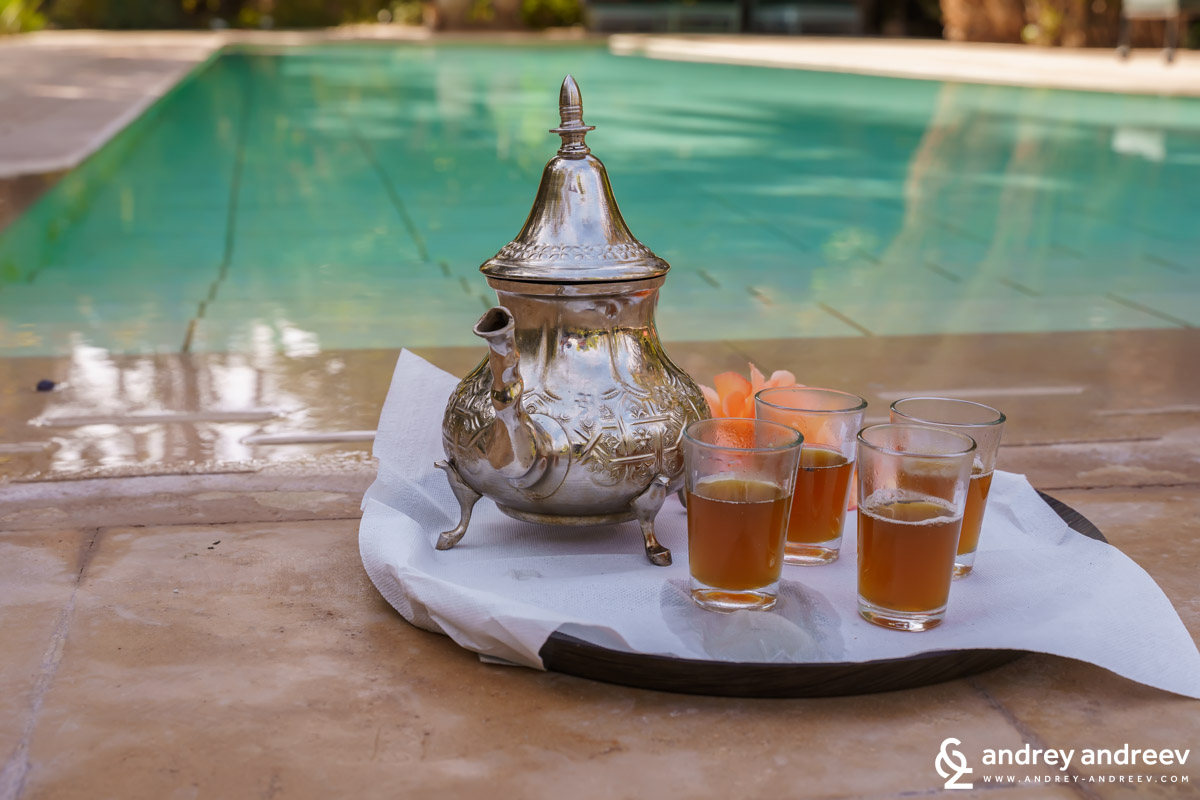 Moroccan tea by the pool