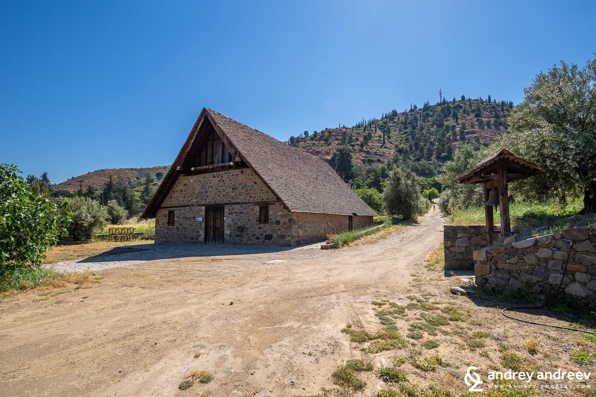 Църквата до село Галата - Παναγίας της Ποδίθου