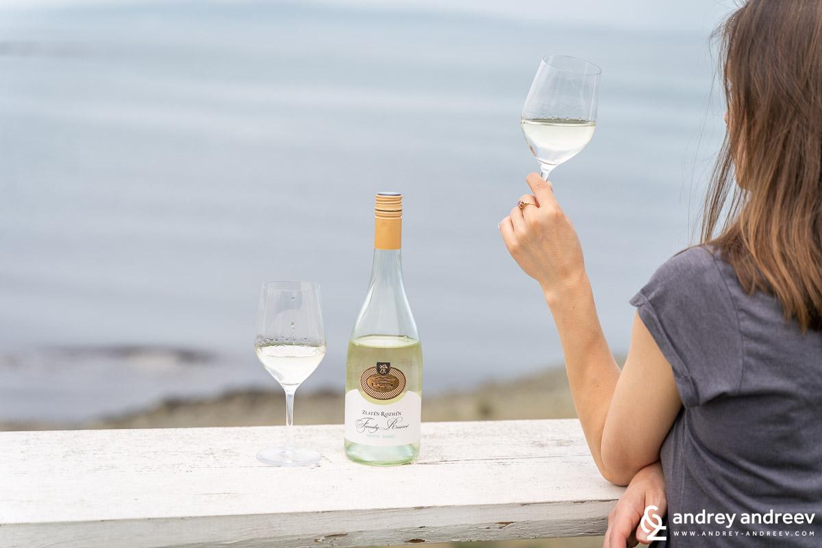White Sand - бяло вино от червено грозде от Златен Рожен