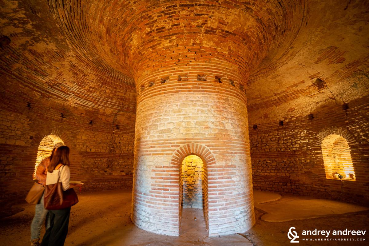 Антична куполна гробница (Поморие)