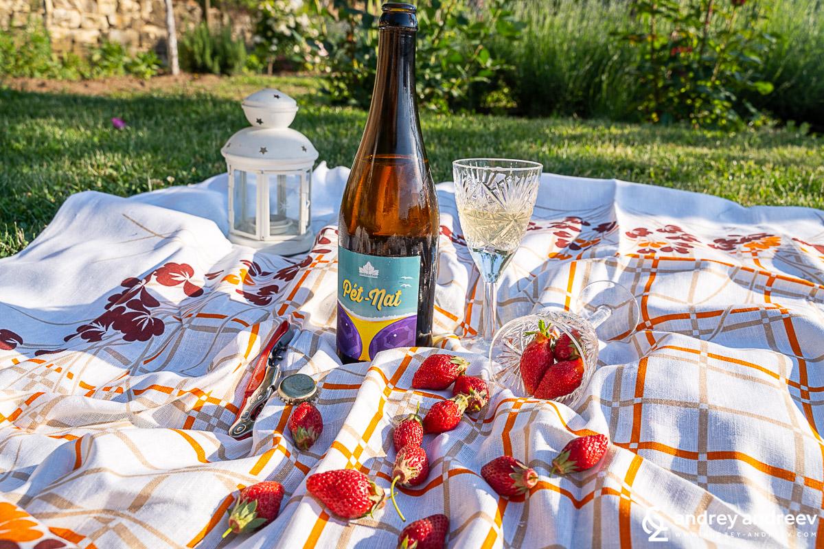 Pet-Nat от Ризлинг от винарна Царев Брод - алтернатива на шампанско за нова година