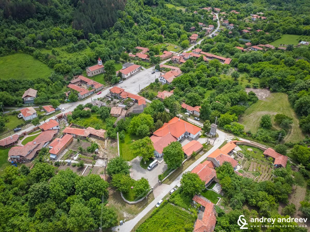 Село Ялово