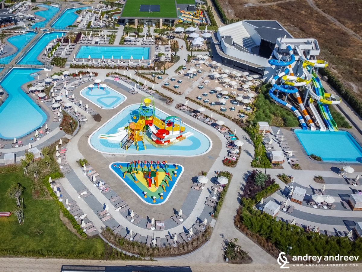 The entertainment zone with facilities for both kids and adults - Wave Resort Bulgaria Pomorie