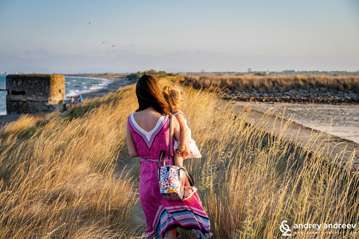 Мими и Адрианка покрай Поморийските солници