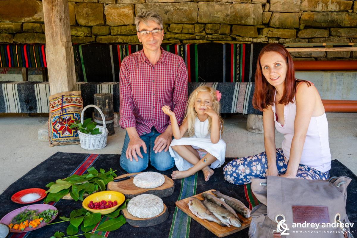 Цветан, Мими и Ани готвят със зелено сирене в Черни Вит