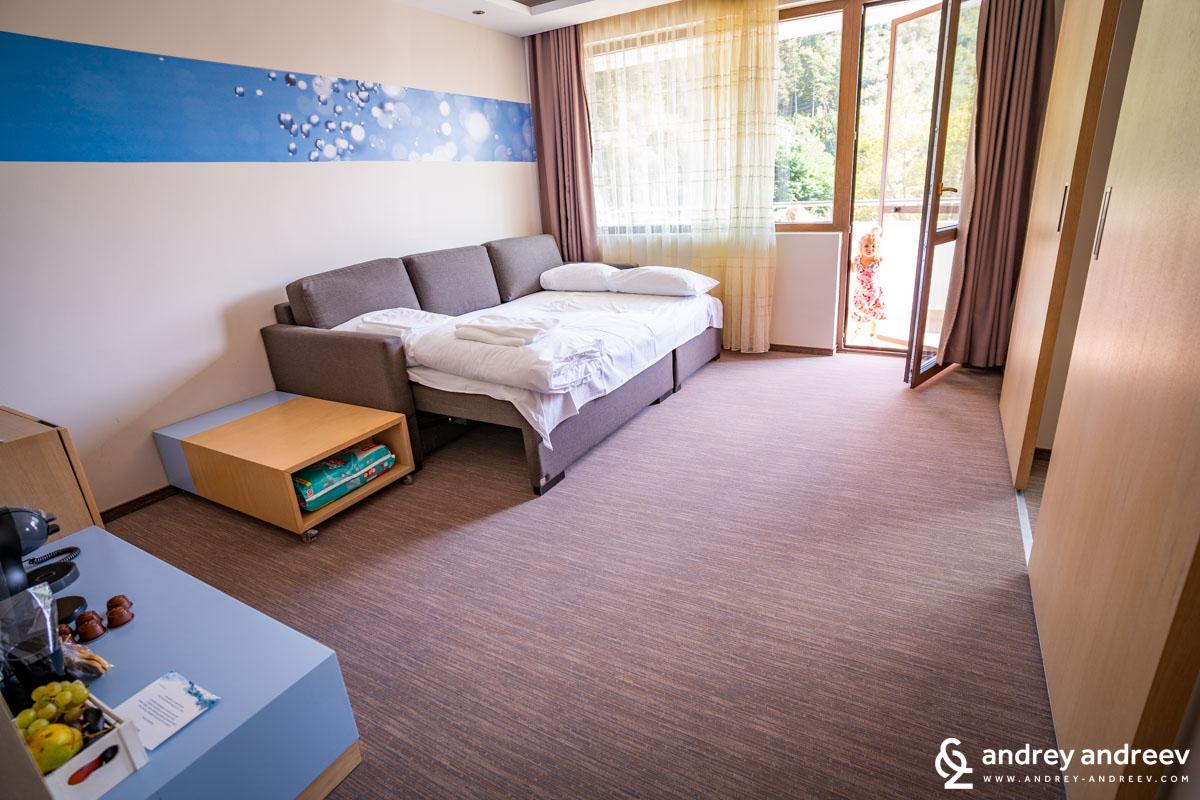 Дневната в апартамента ни, която превърнахме в спалня за децата