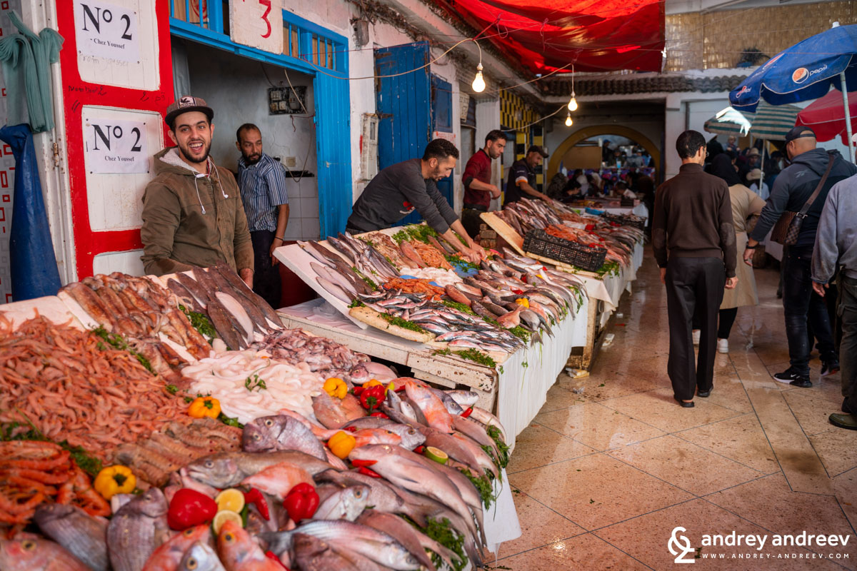 Едно от най-посещаваните места в Есауира – рибния пазар, тук може да се нагледате на пресни страхотни риби и ви съветваме да отделите време да опитате от тях