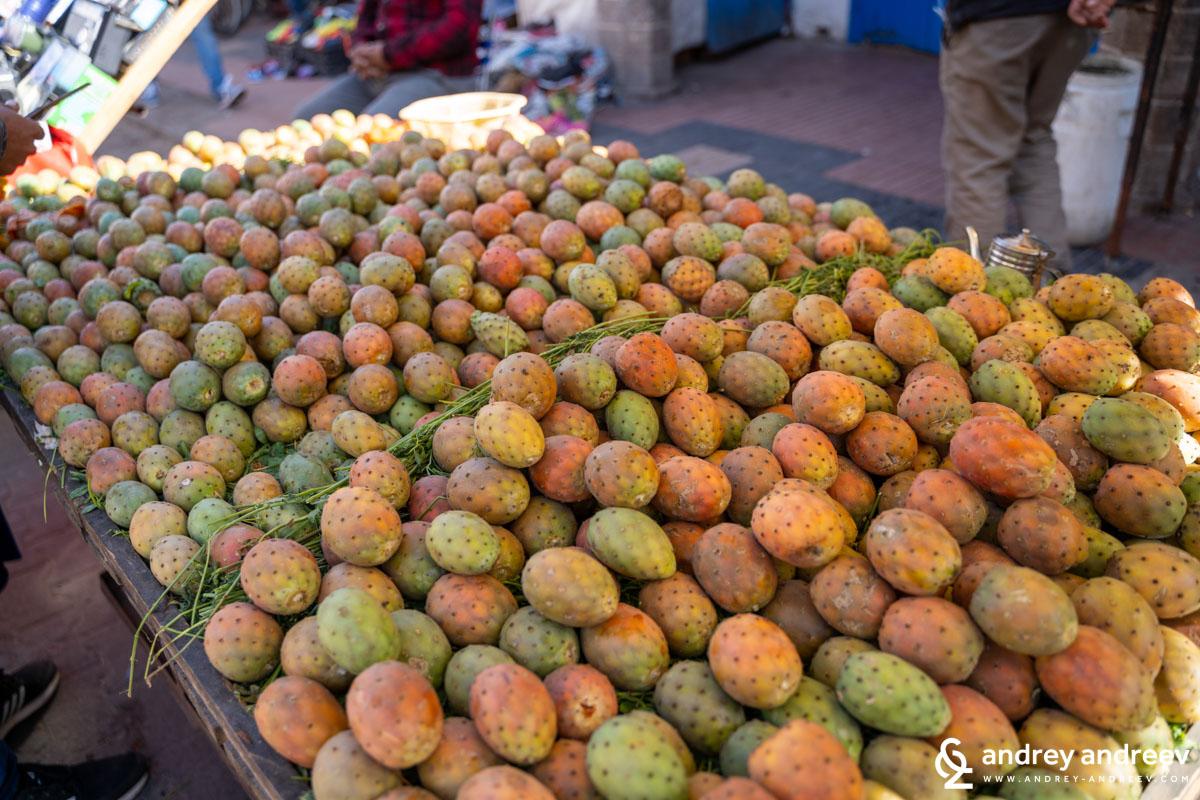 """Любимата ни вече """"бодлива круша"""" (кактусова смокиня), която за пръв път опитахме в Саленто, Южна Италия"""