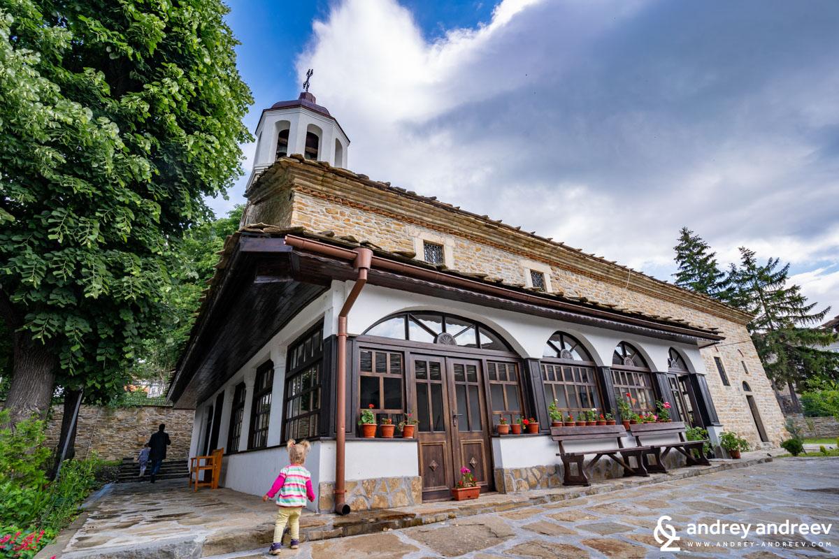 Църква Света Троица - най-старата църква в Дряново