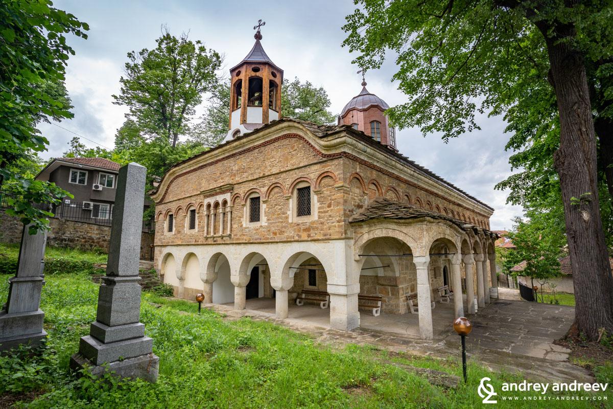 Църквата Свети Никола в Дряново, строена от Колю Фичето