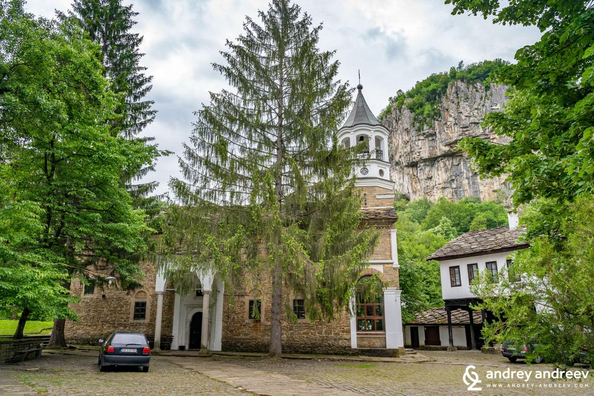 Църквата на Дряновския манастир